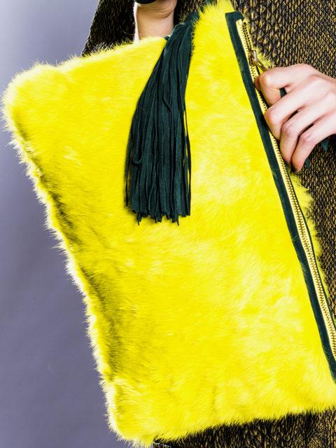 bolso-de-pelo-amarillo